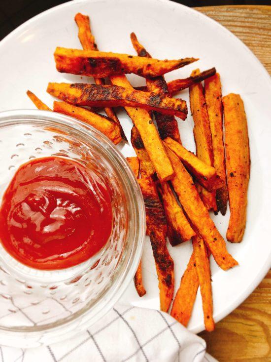 Rezept für Süßkartoffel-Pommes aus dem Ofen
