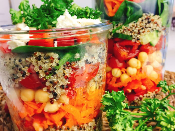 Gesunder Schichtsalat inspiriert aus New York