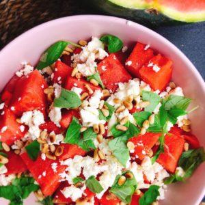 Rezept für Wassermelonensalat mit Schafskäse und Pinienkernen
